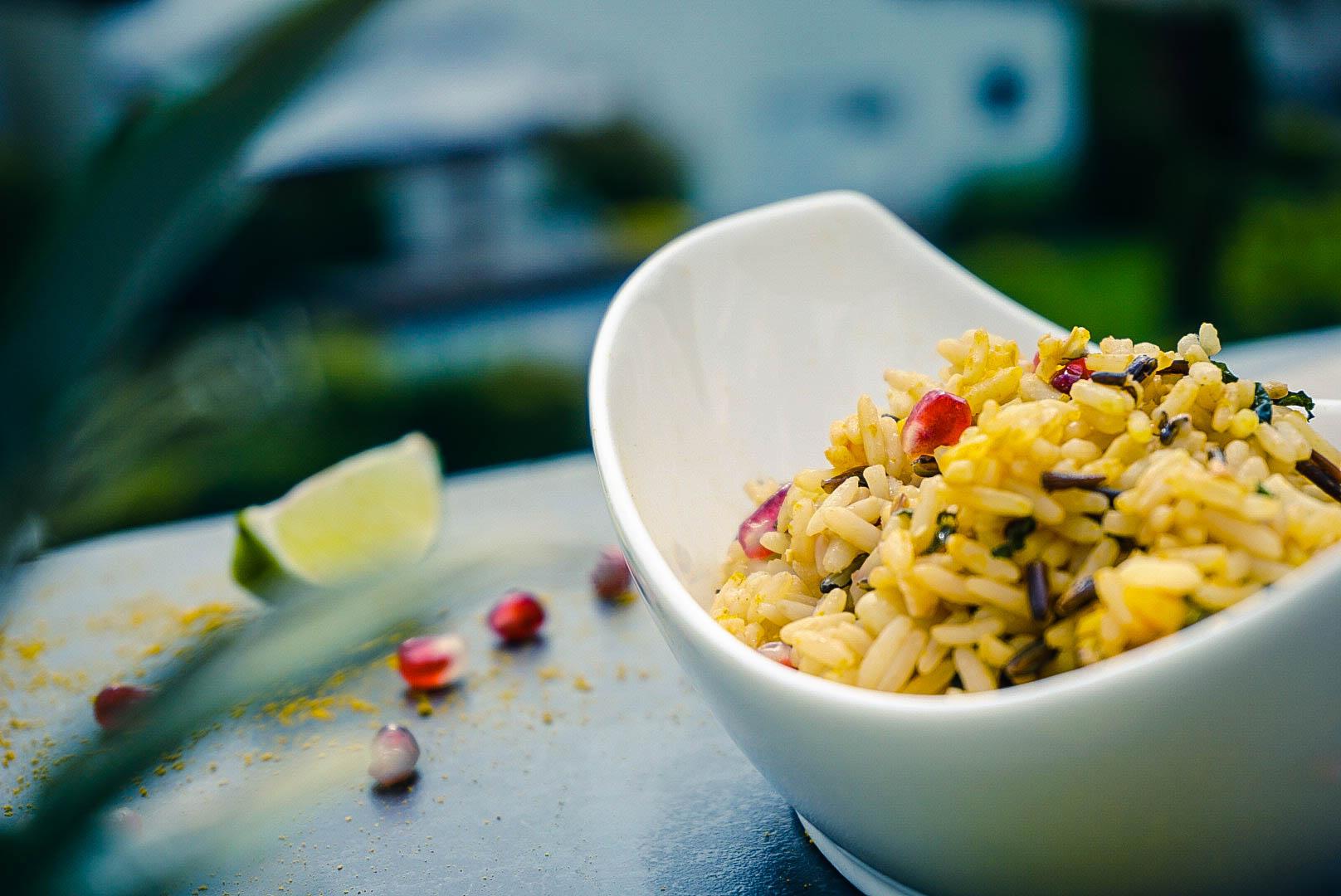 Veganer Reissalat im Fokus