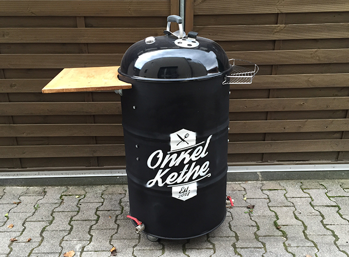 Ugly Drum Smoker by Onkel Kethe