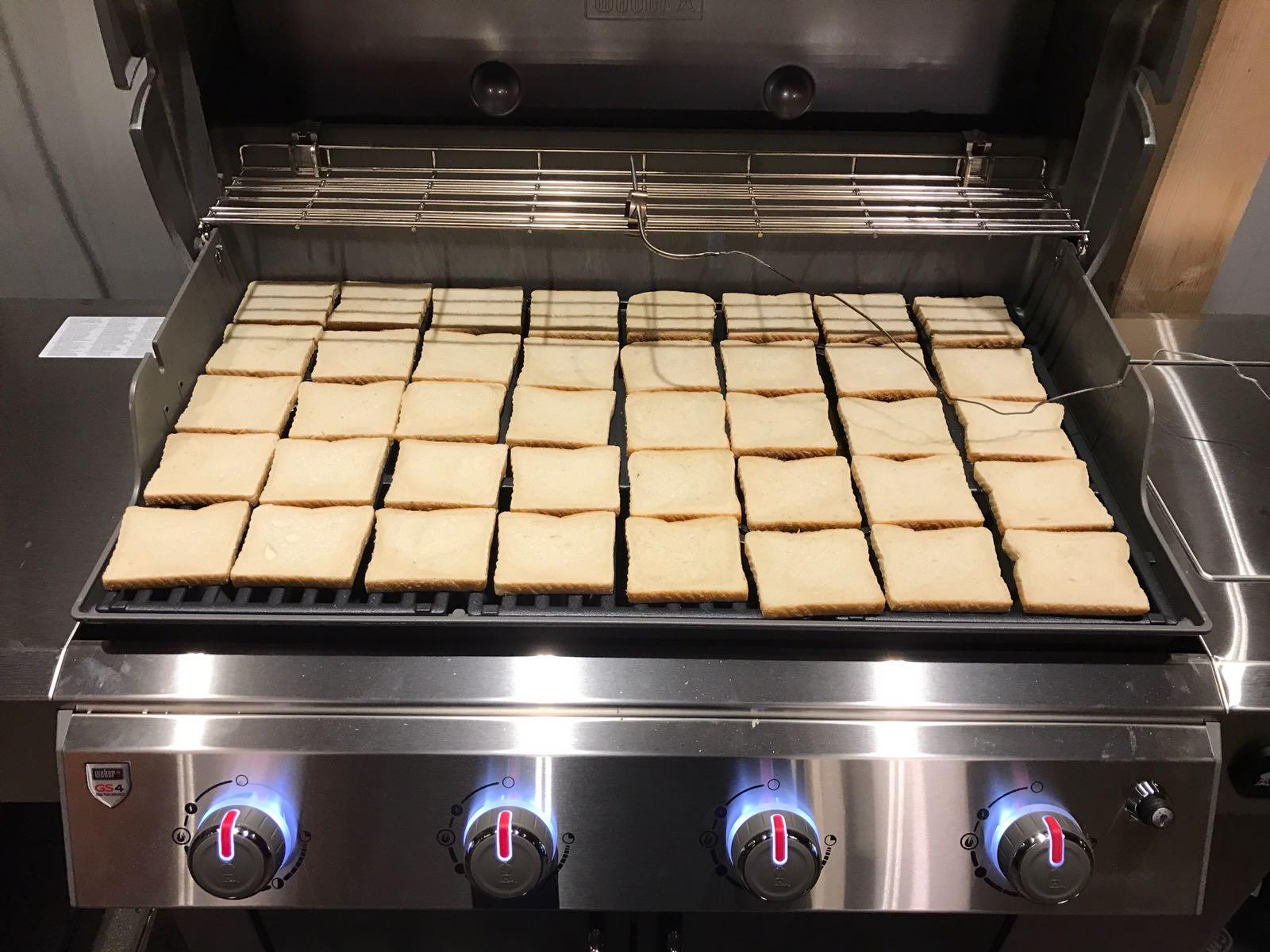 Weber Genesis 2 Toast-Test