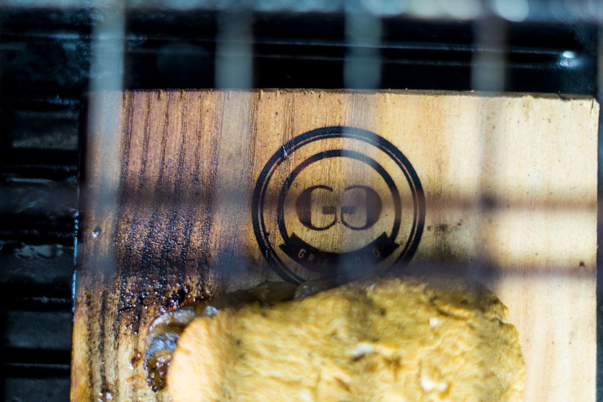 Schweinerücken mit Parmesankruste - Grillrost