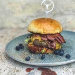 Blaubeer Pastrami Burger
