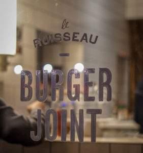 Le Ruisseau Burger Joint Laden