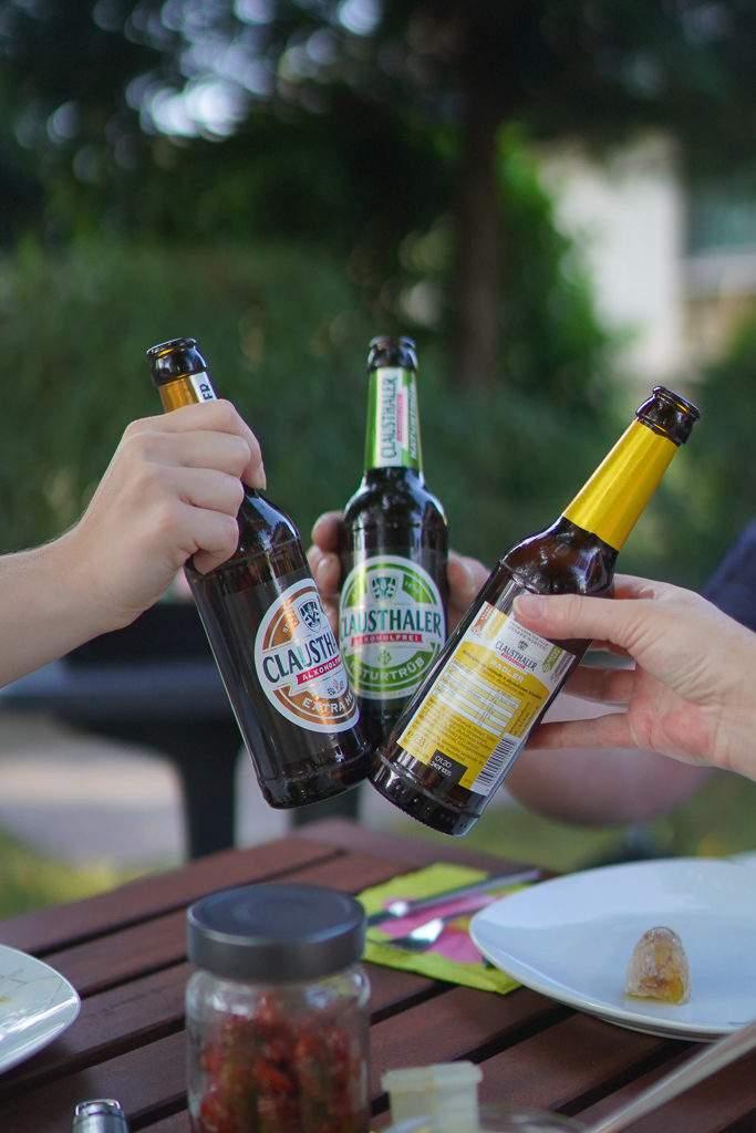 Clausthaler Alkoholfrei - Anstoßen Tisch