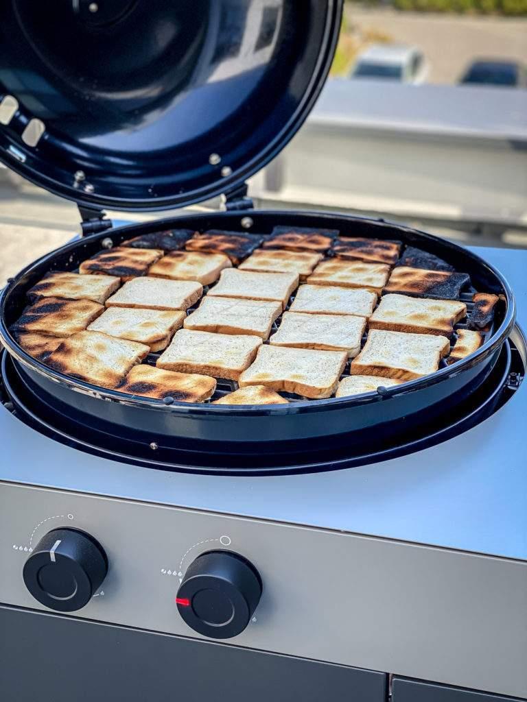 Outdoorchef Arosa 570 G - Toast Test 4